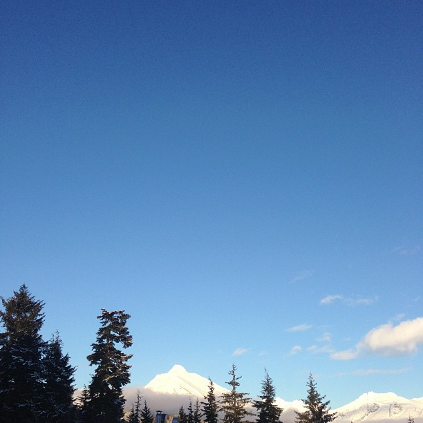 That's a lotta sky! #brr #sunshine #alaskastyle